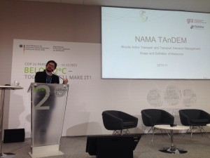 Carlosfelipe Pardo, Director Ejecutivo de Despacio, dando una presentación en la COP21