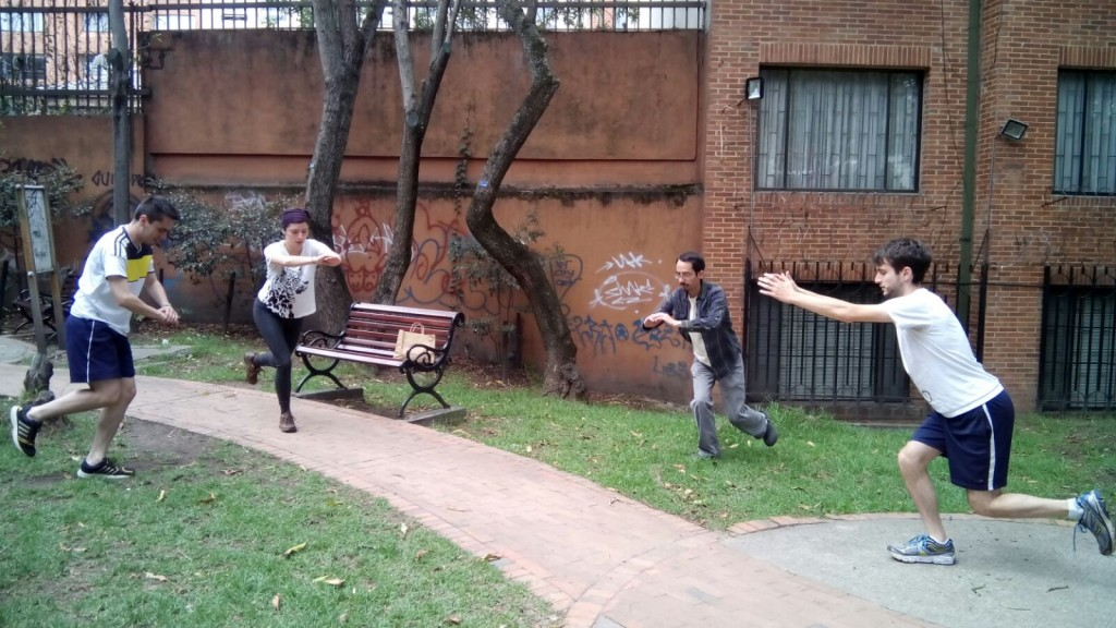 El equipo haciendo ejercicio durante el Día Despacio